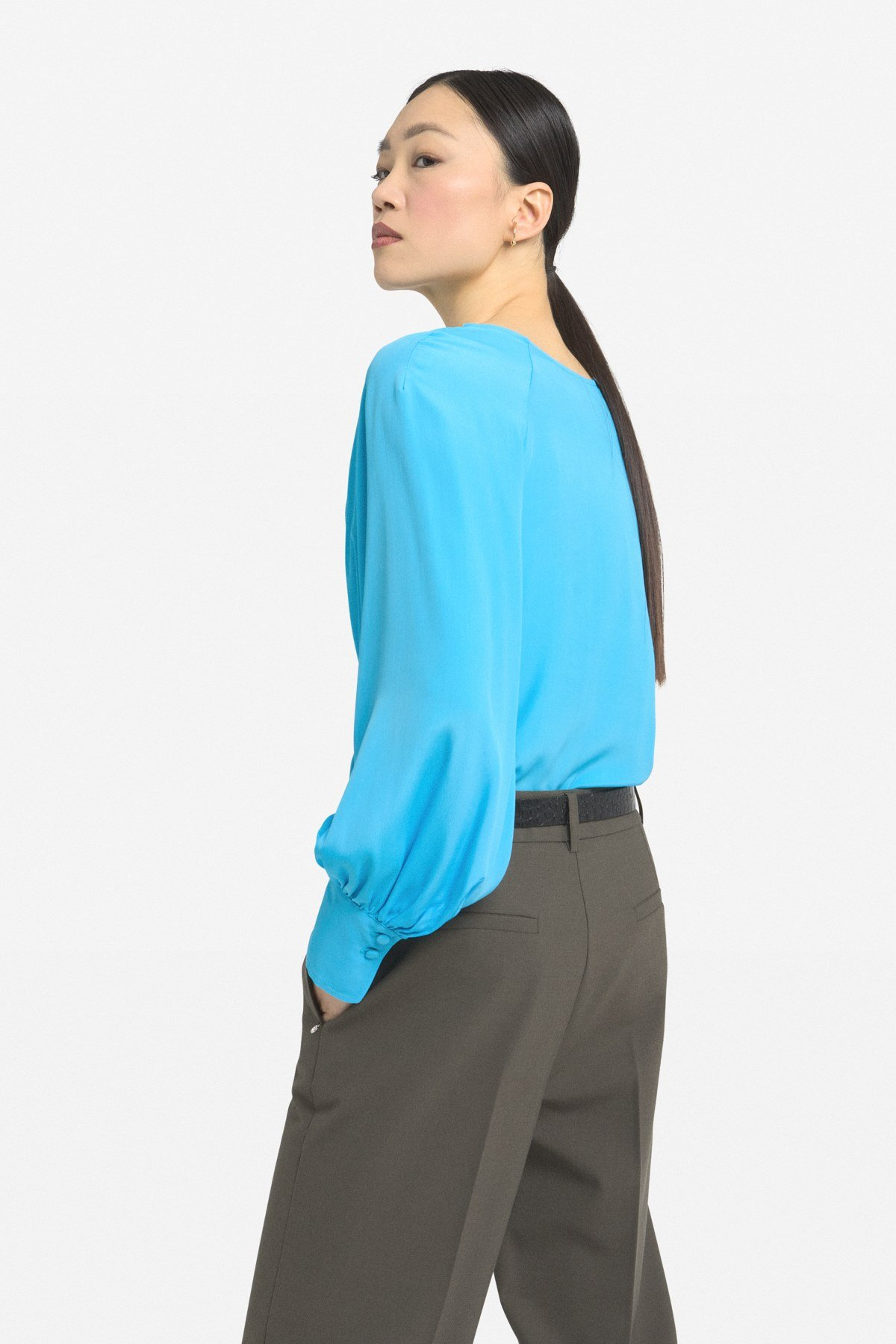 Sweater with pleats