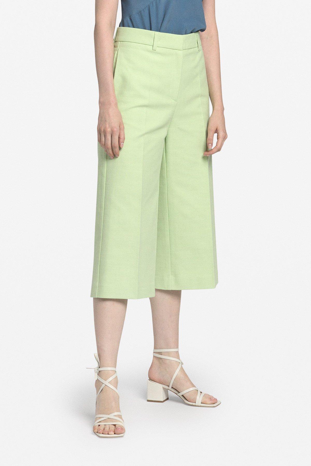 High-waist bermuda shorts