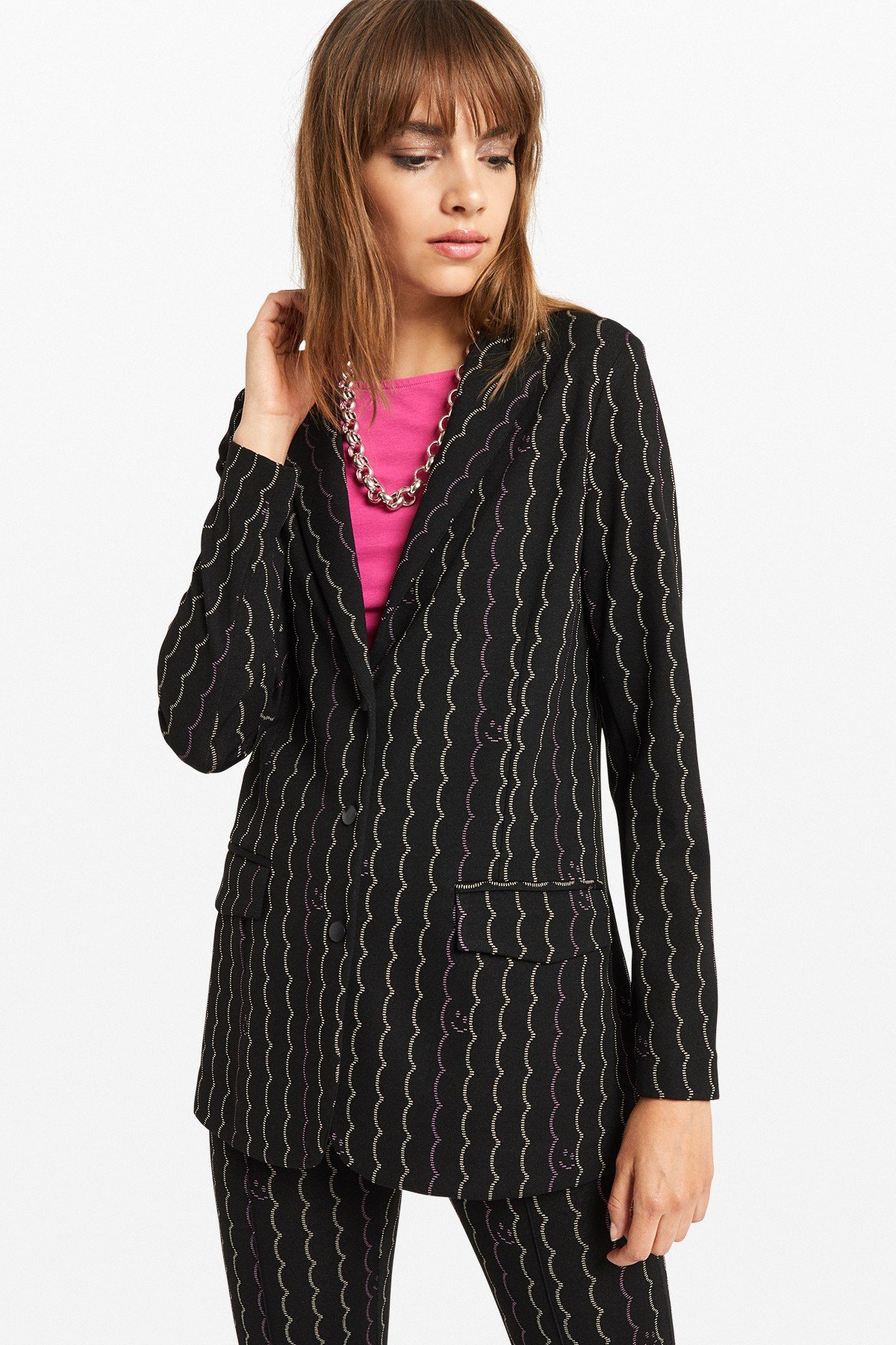 Printed jacket with 3 buttons