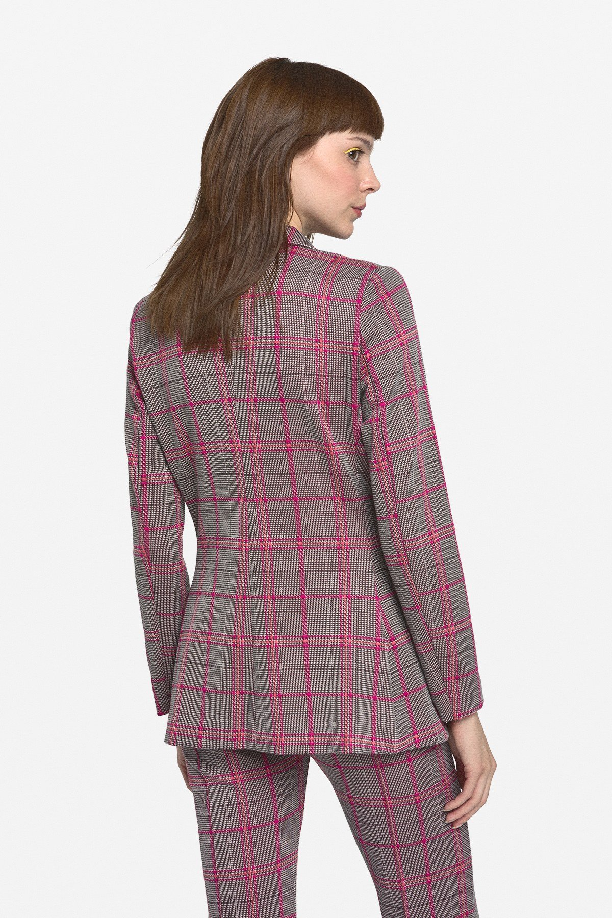 3 buttons' patterned jacket