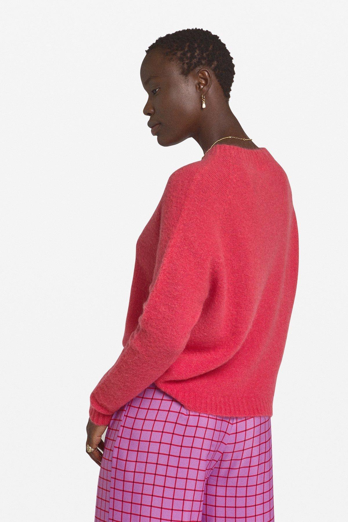 Round neckline jumper