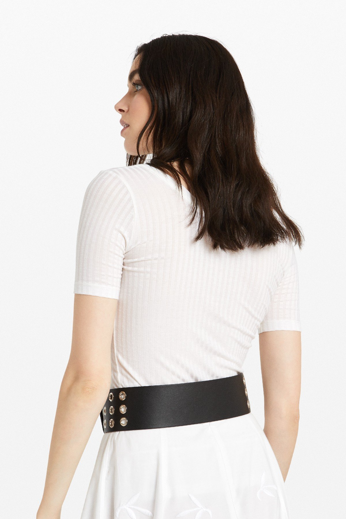 Ribbed T-shirt with round neckline