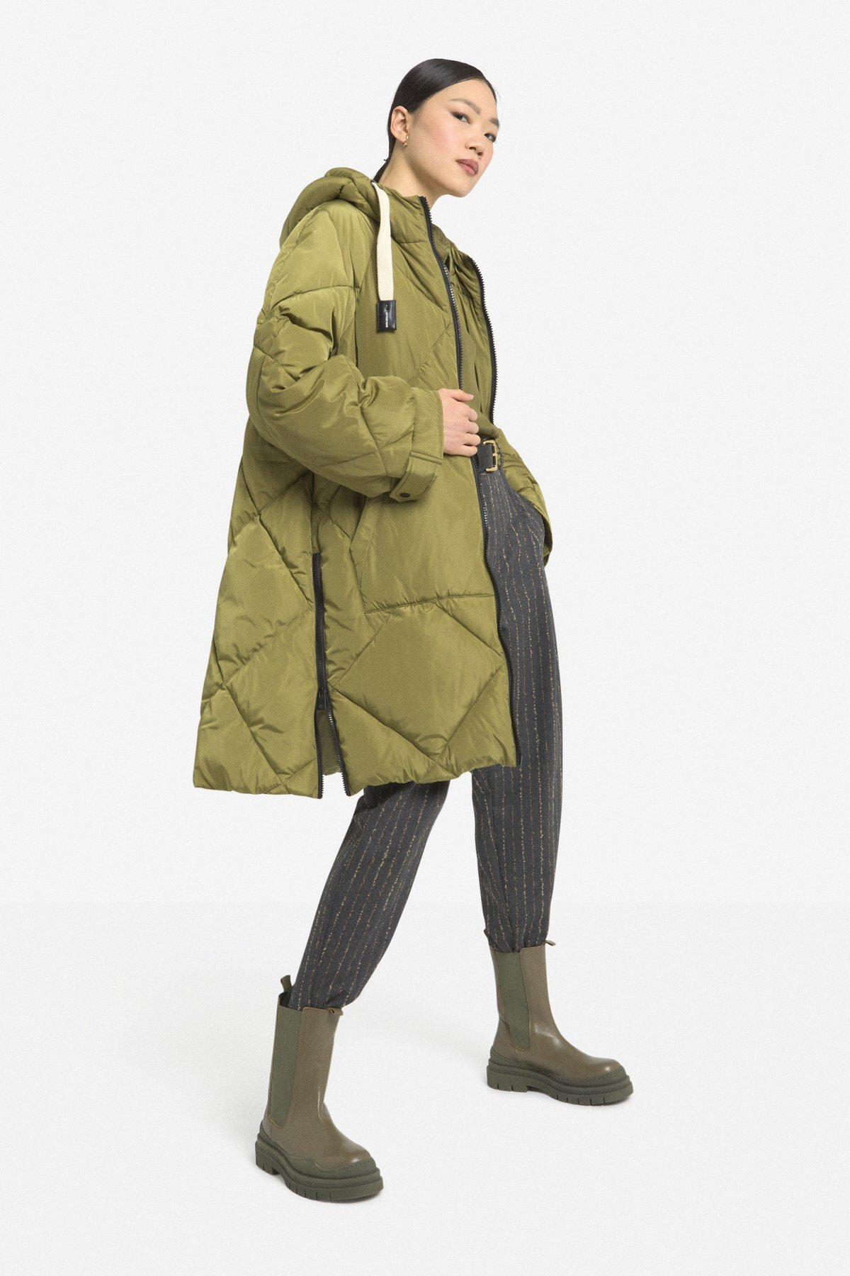 Quilted down jacket with drawstring