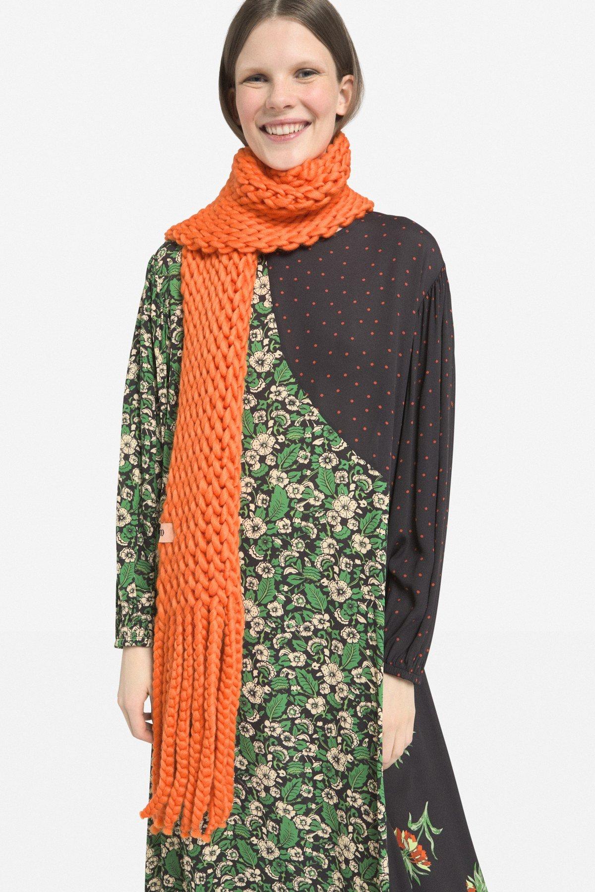 Wool blend maxi scarf