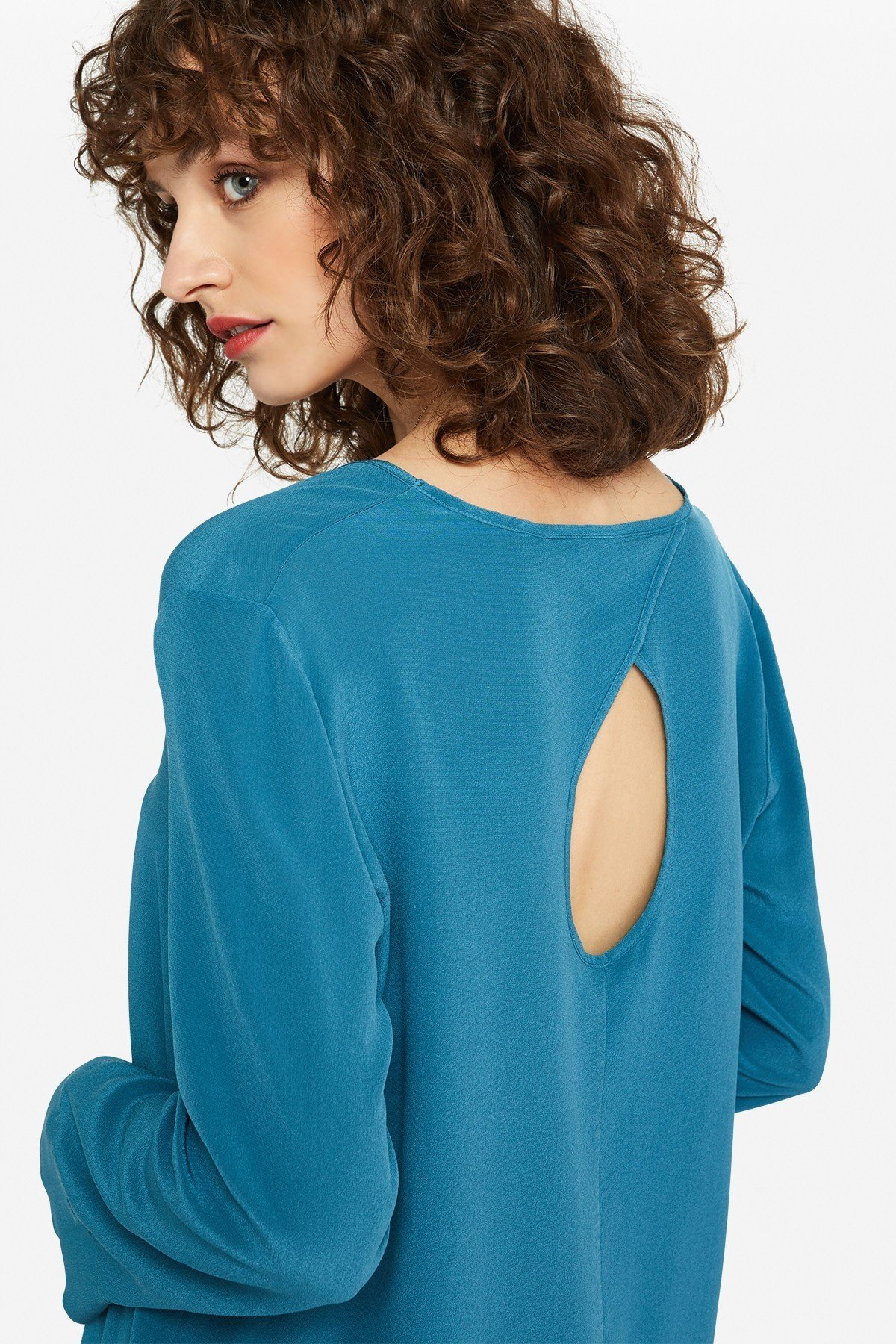 Flared silk sweater with porthole