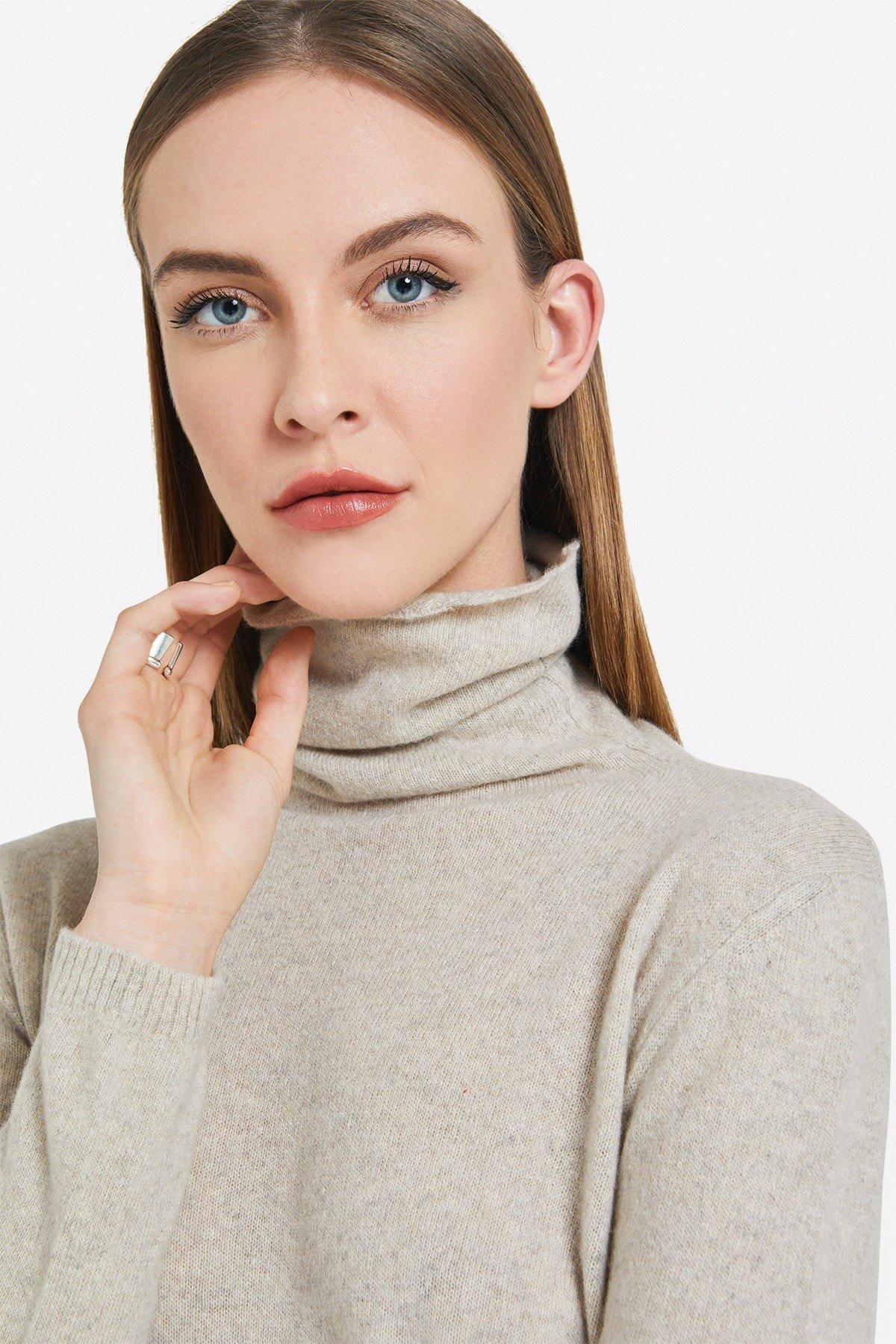 Straight line wool jumper