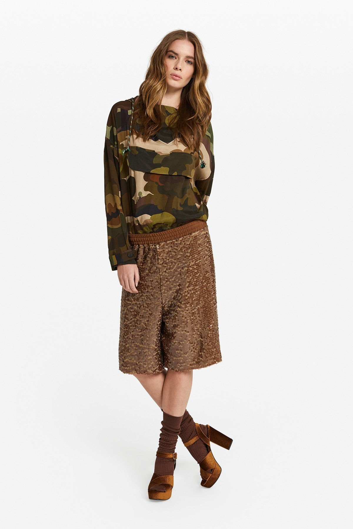 Camo viscose sweater with hood