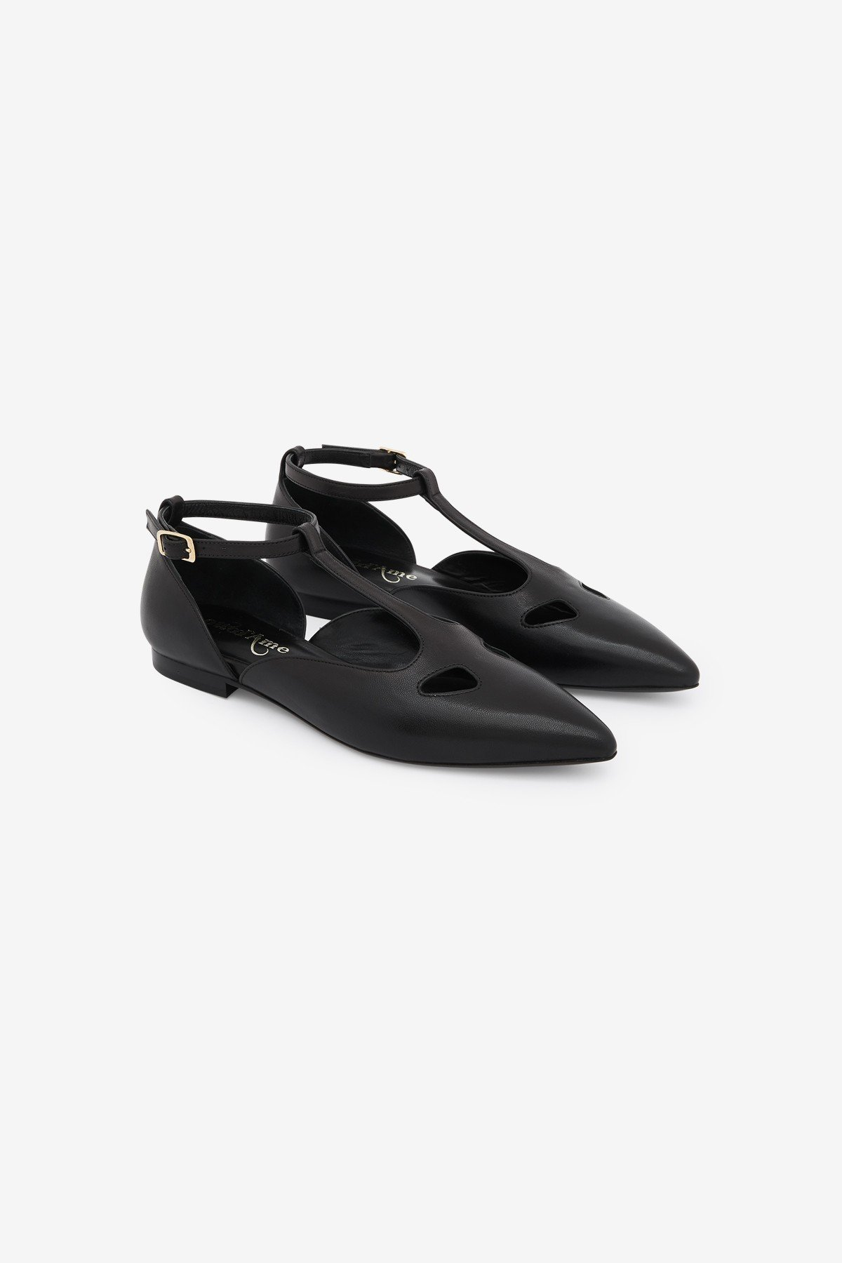 Leather ballerinas with strap
