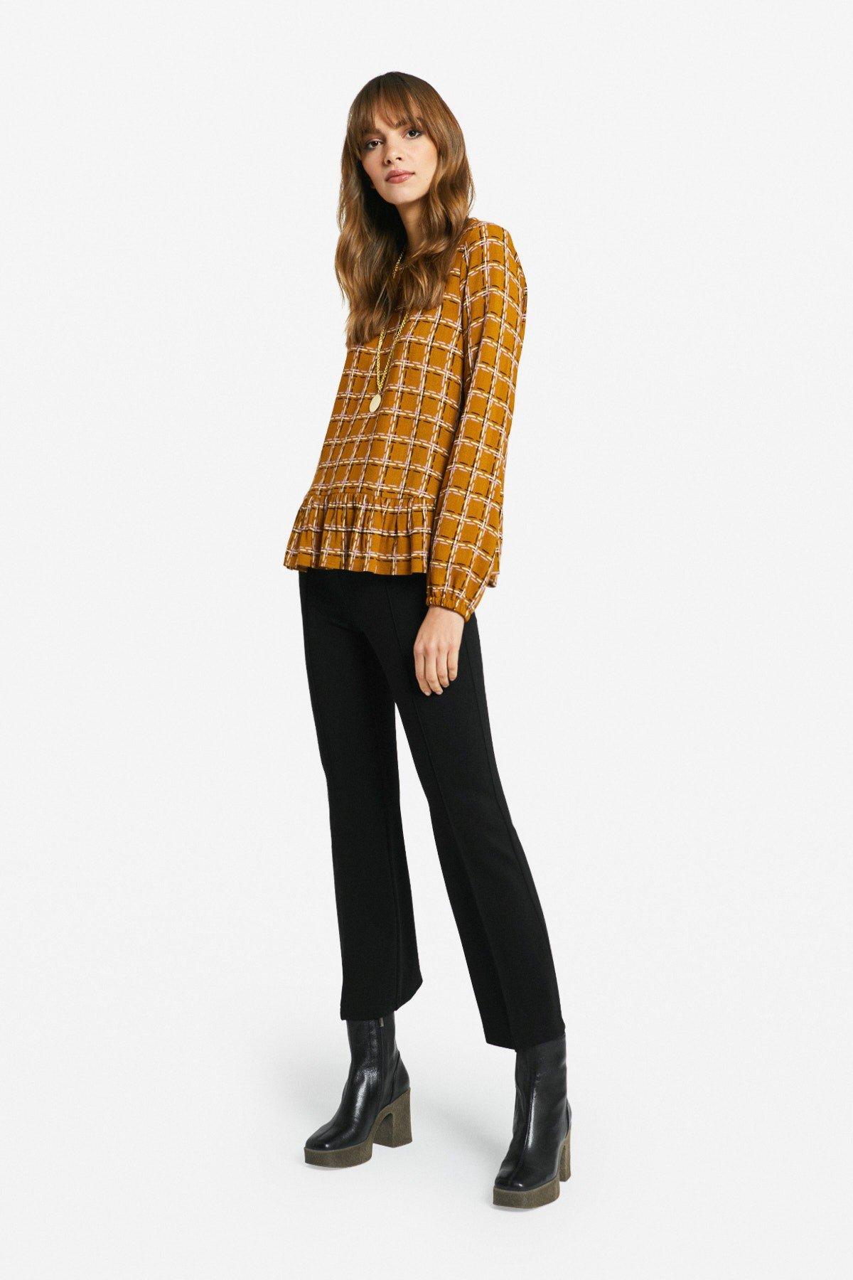 Viscose blouse with ruffle