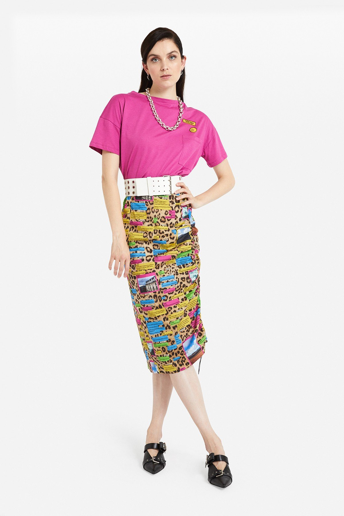 "Longuette skirt  with ""Whatsapp"" print"